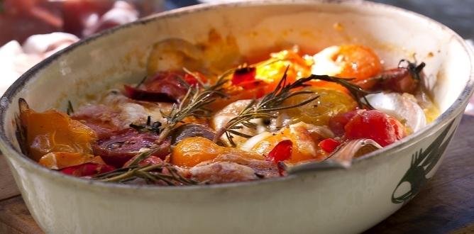 Ugnsbakade tomater med rosmarin och chili