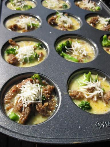 Broccoli- och korvmuffins