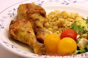 Currymarinerade kycklingben