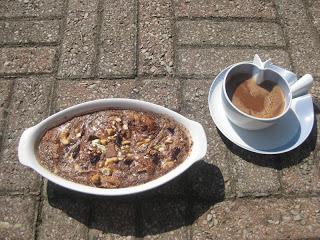 Brödpudding med öl - och chokladsås