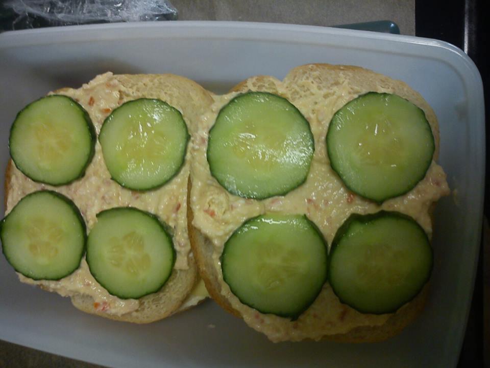 Lakto-ovo-vegetariska smörgåstårte-mackor