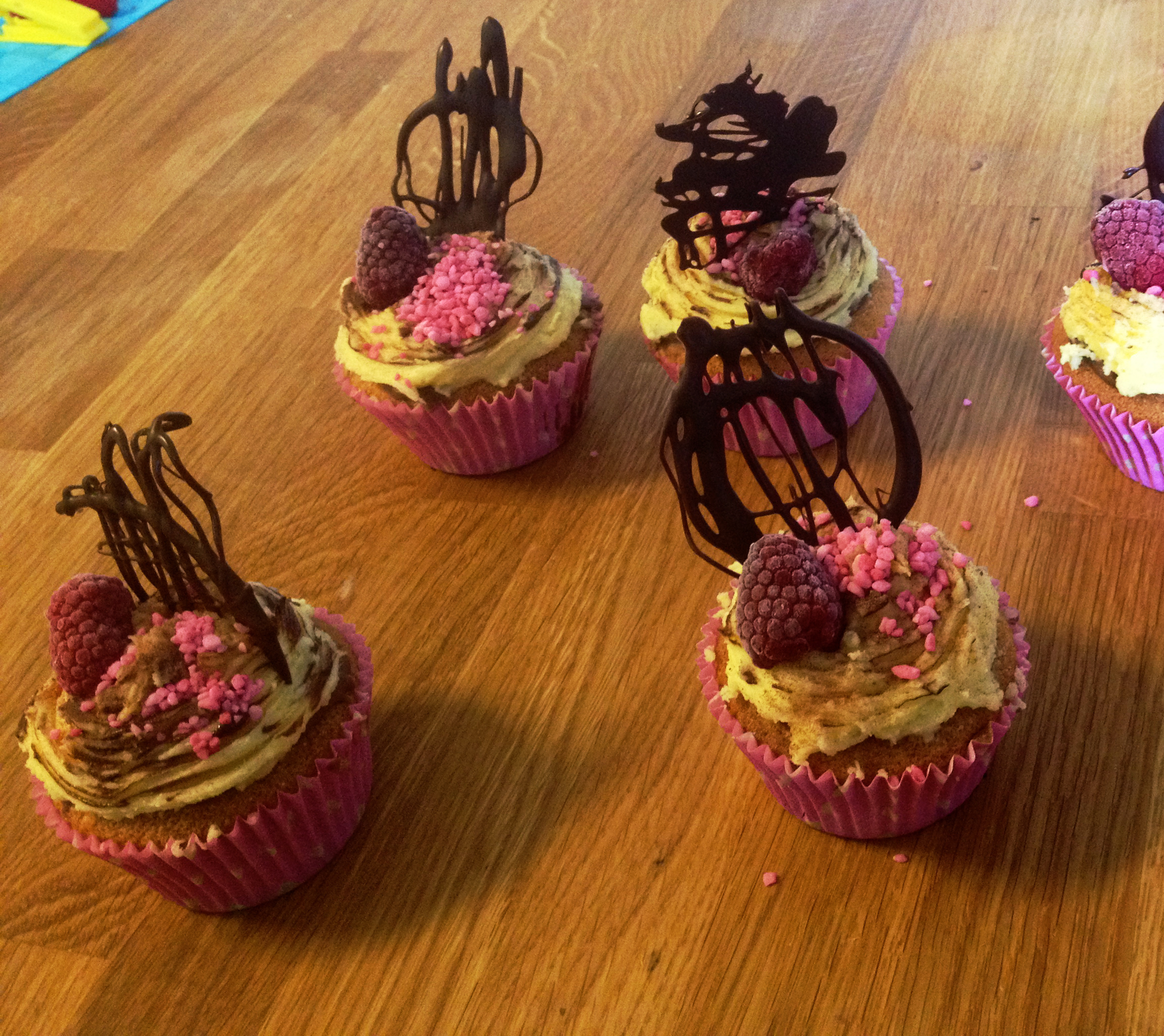 Mikaela's vanilla cupcake's with chocolate suprise