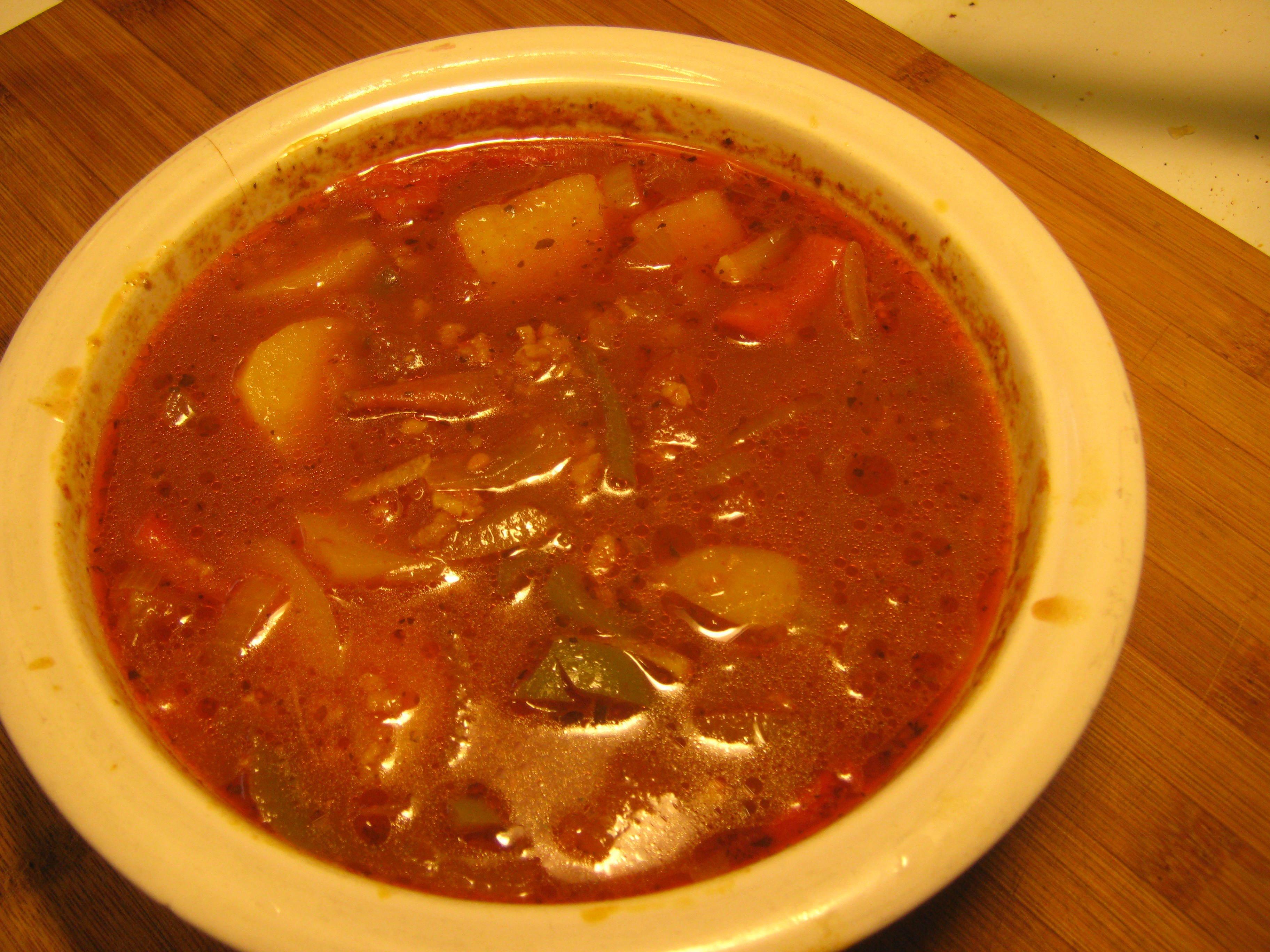 Vegetarisk gulaschsoppa