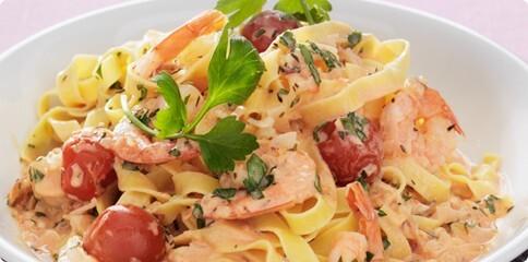 pasta med räkor och kräftstjärtar