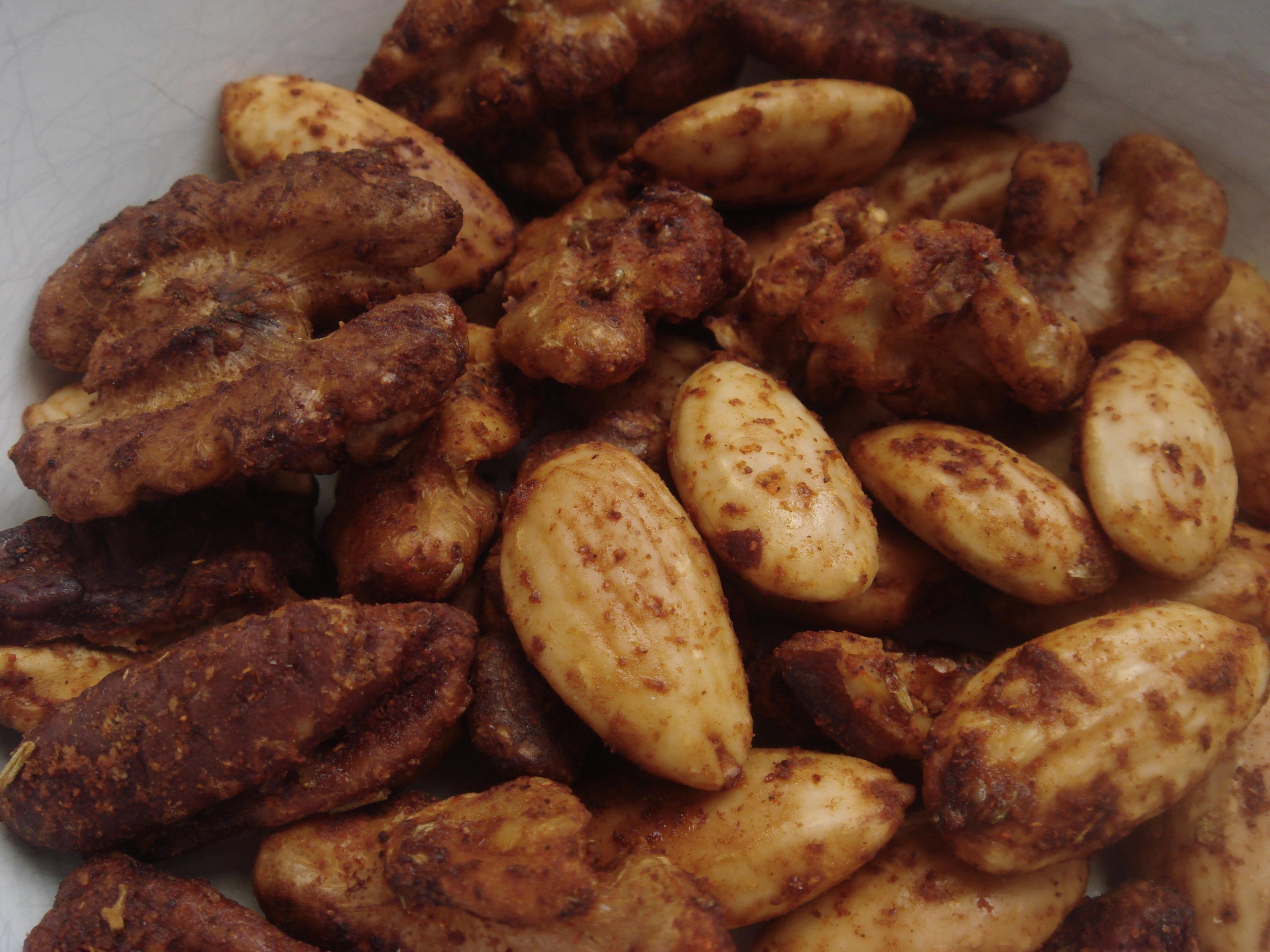 rosta kryddiga mandlar