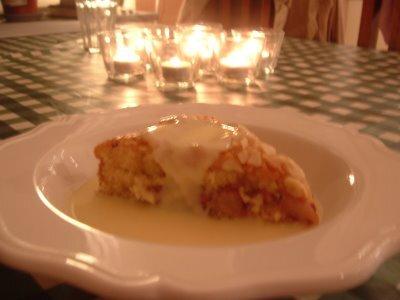 gammaldags äppelkaka med skorpmjöl