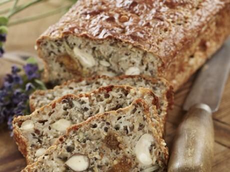 nyttigt bröd med valnötter