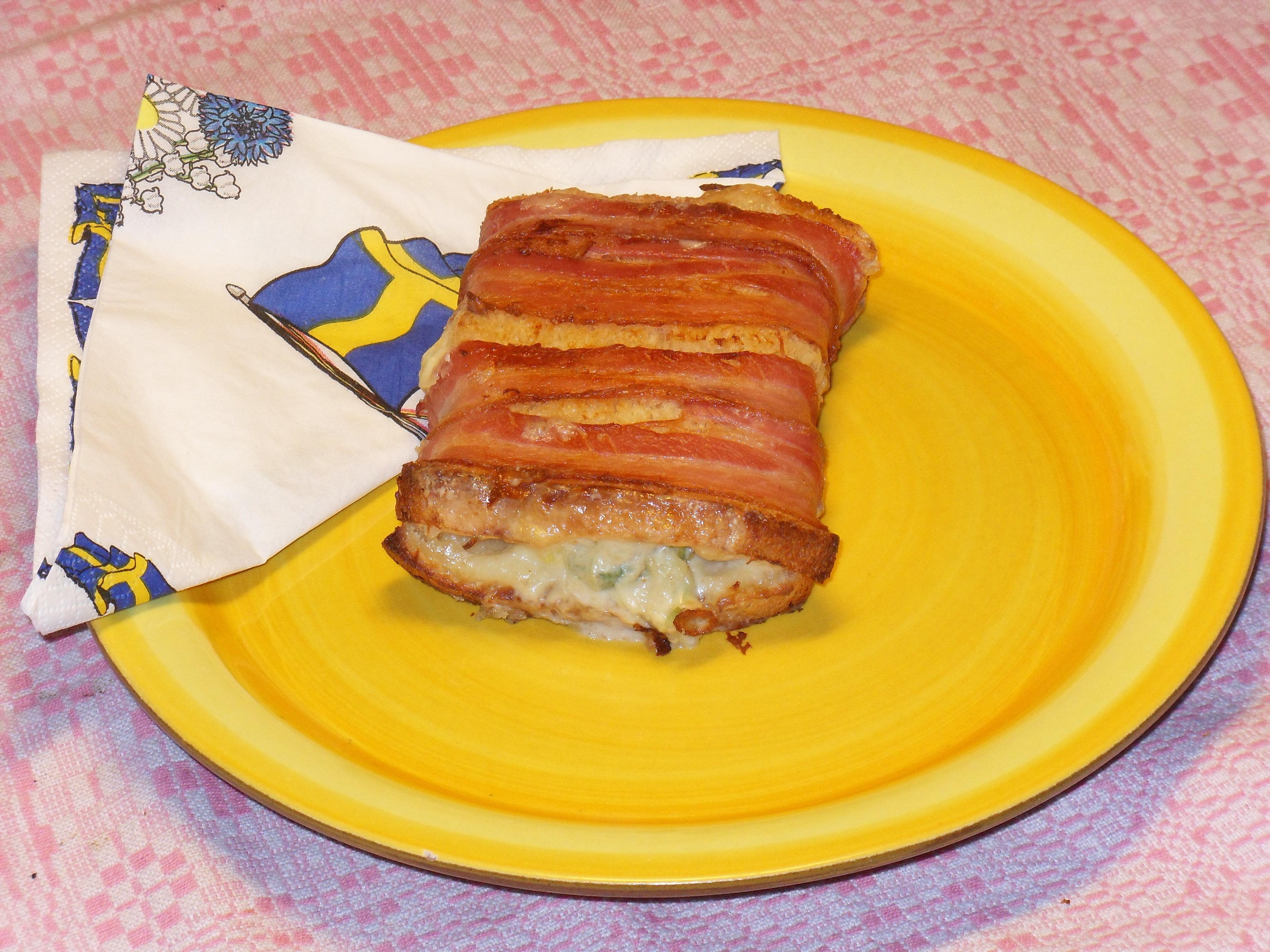 toast bacon