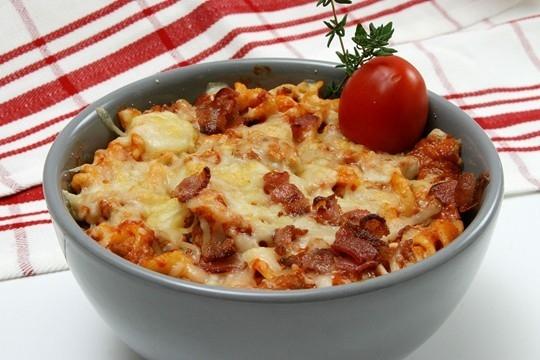 bacongratäng med pasta