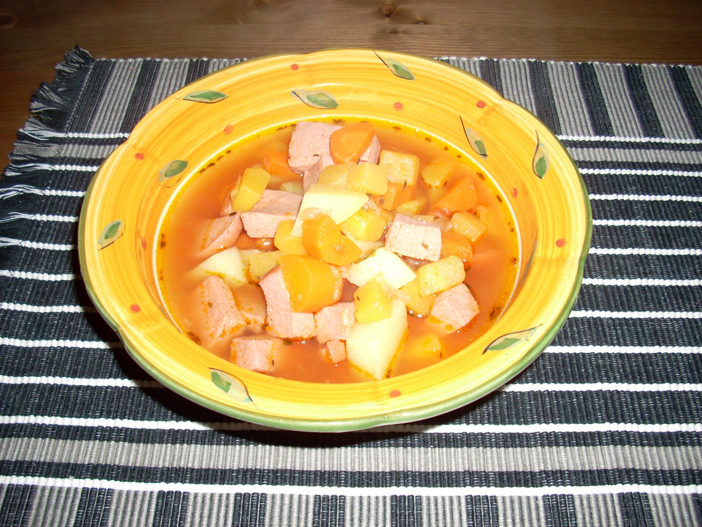 korvsoppa med potatis och morötter