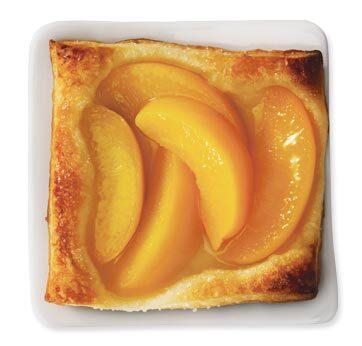 persikopaj med smördeg