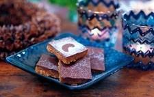 kakor med choklad och jordnötter cornflakes