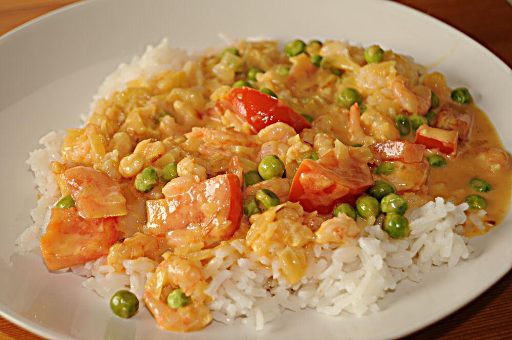 heta räkor med curry och vitlök