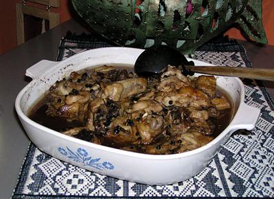 chicken adobo filippinsk rätt