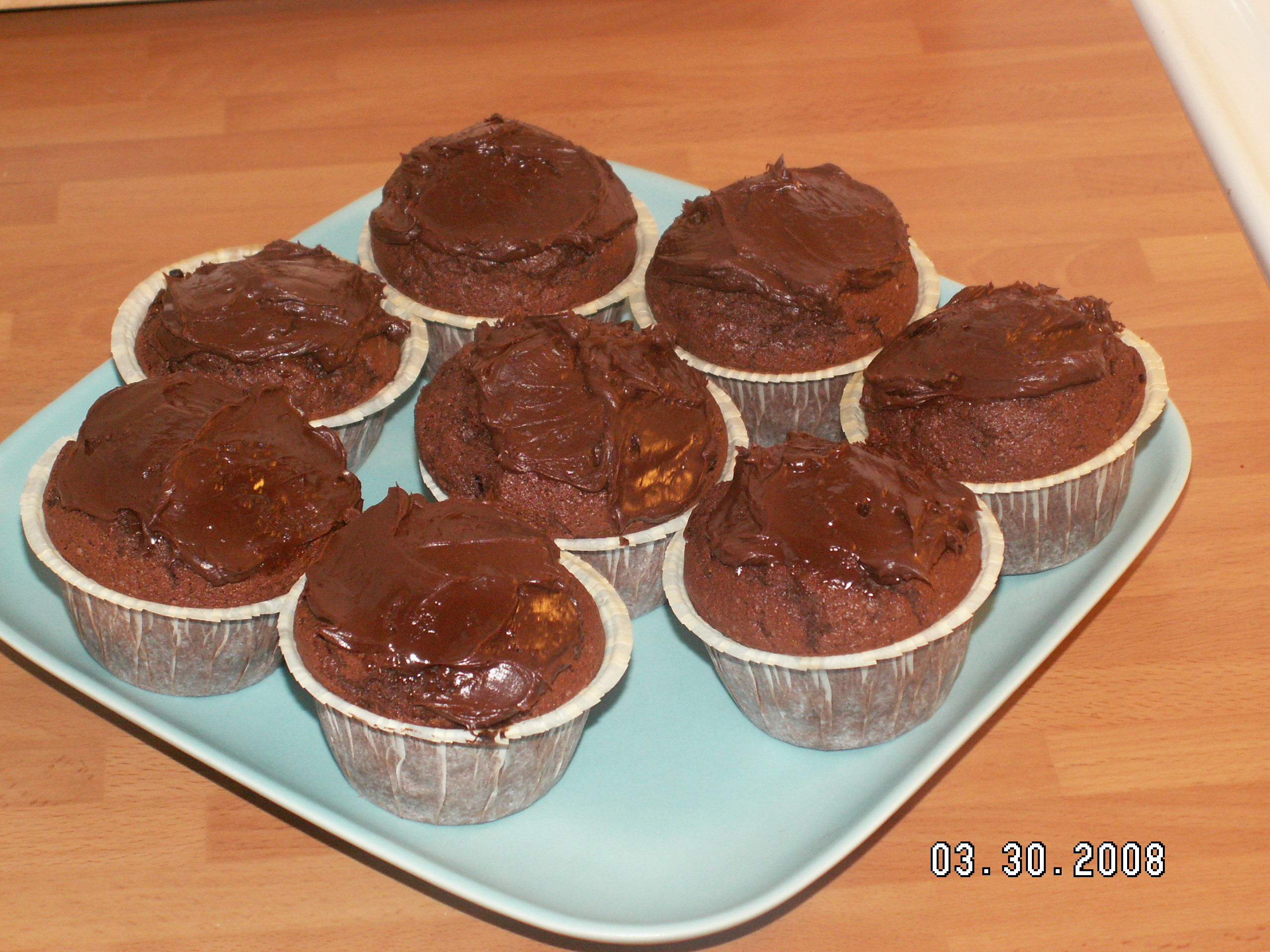 god glasyr på chokladmuffins