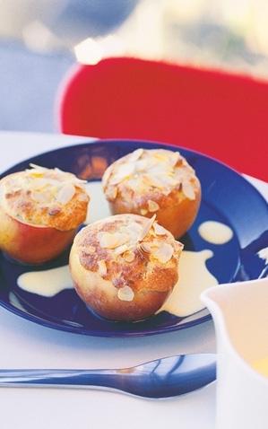 ugnsbakade äpplen med mandelmassa