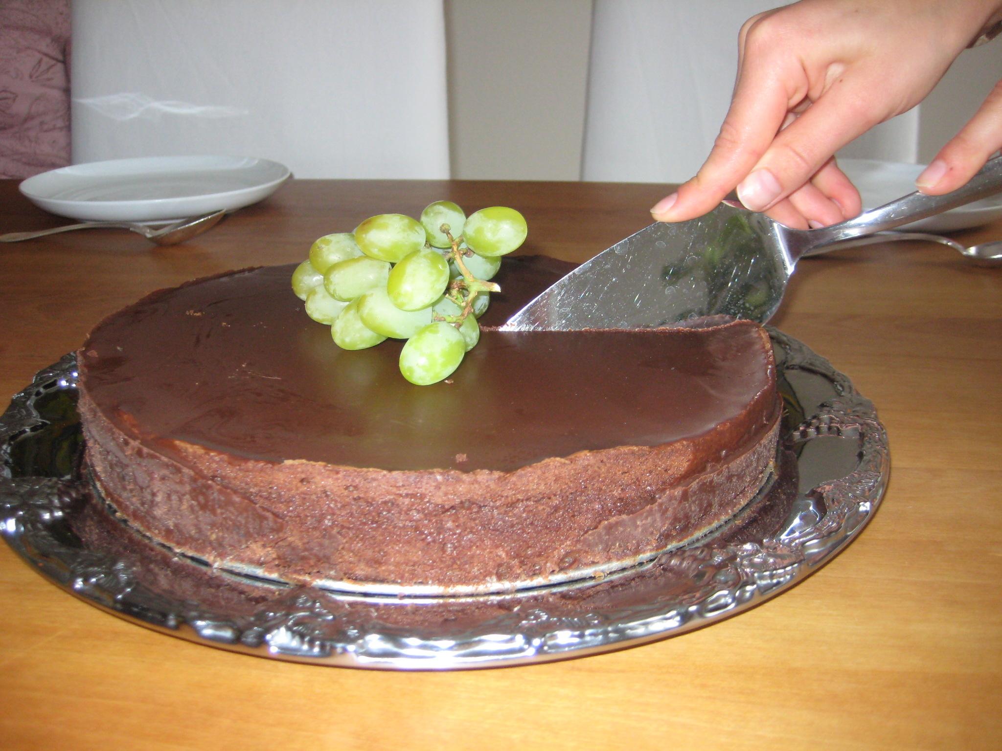 chokladtårta vit och mörk choklad