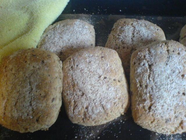 nyttigt grovt bröd med frön