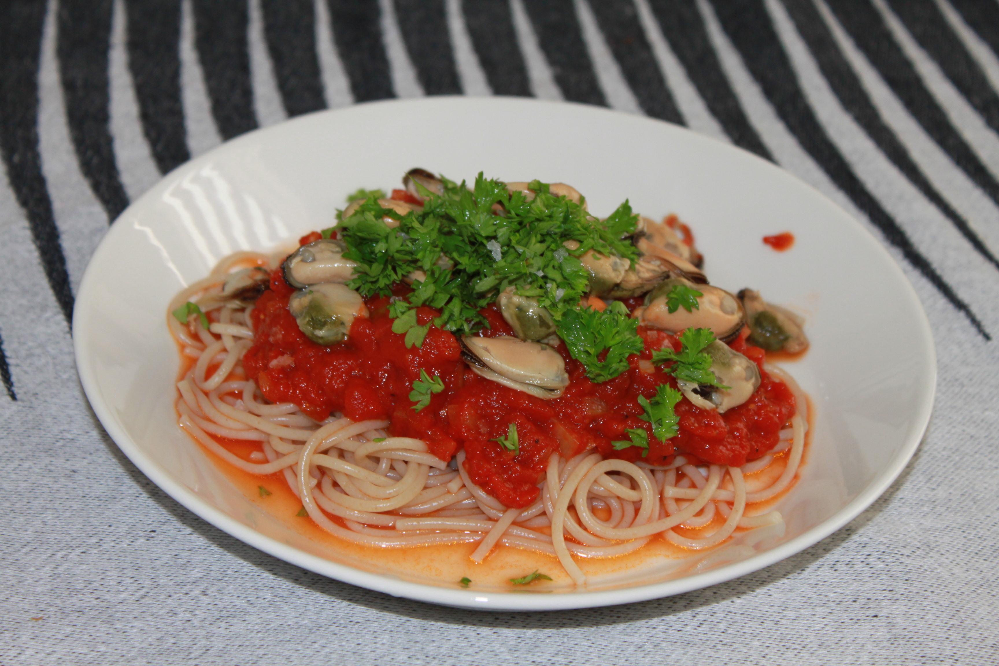 enkel pastasås med få ingredienser
