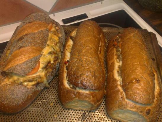 fyllt franskbröd med köttfärs