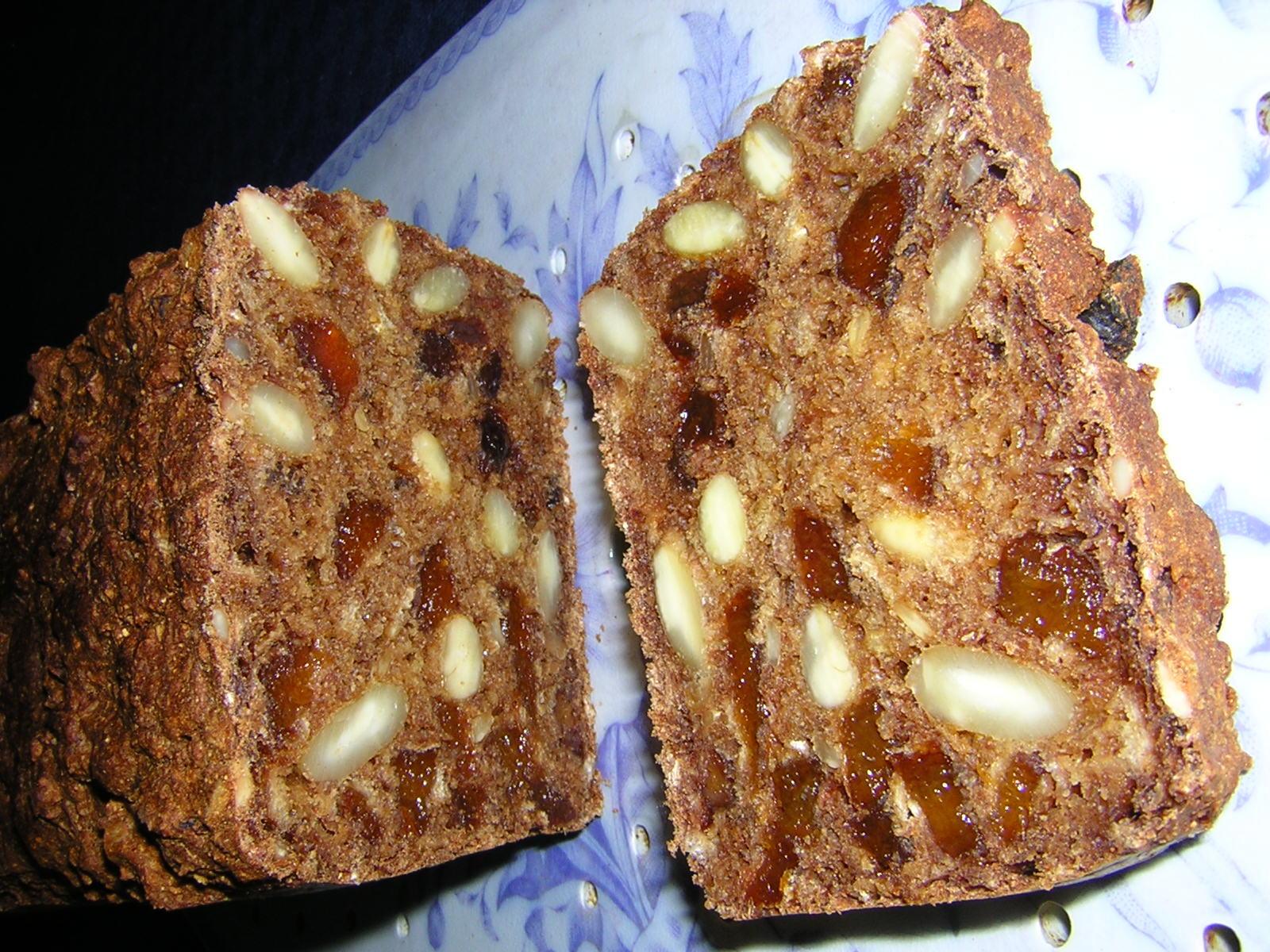 glutenfritt bröd med aprikoser och filmjölk