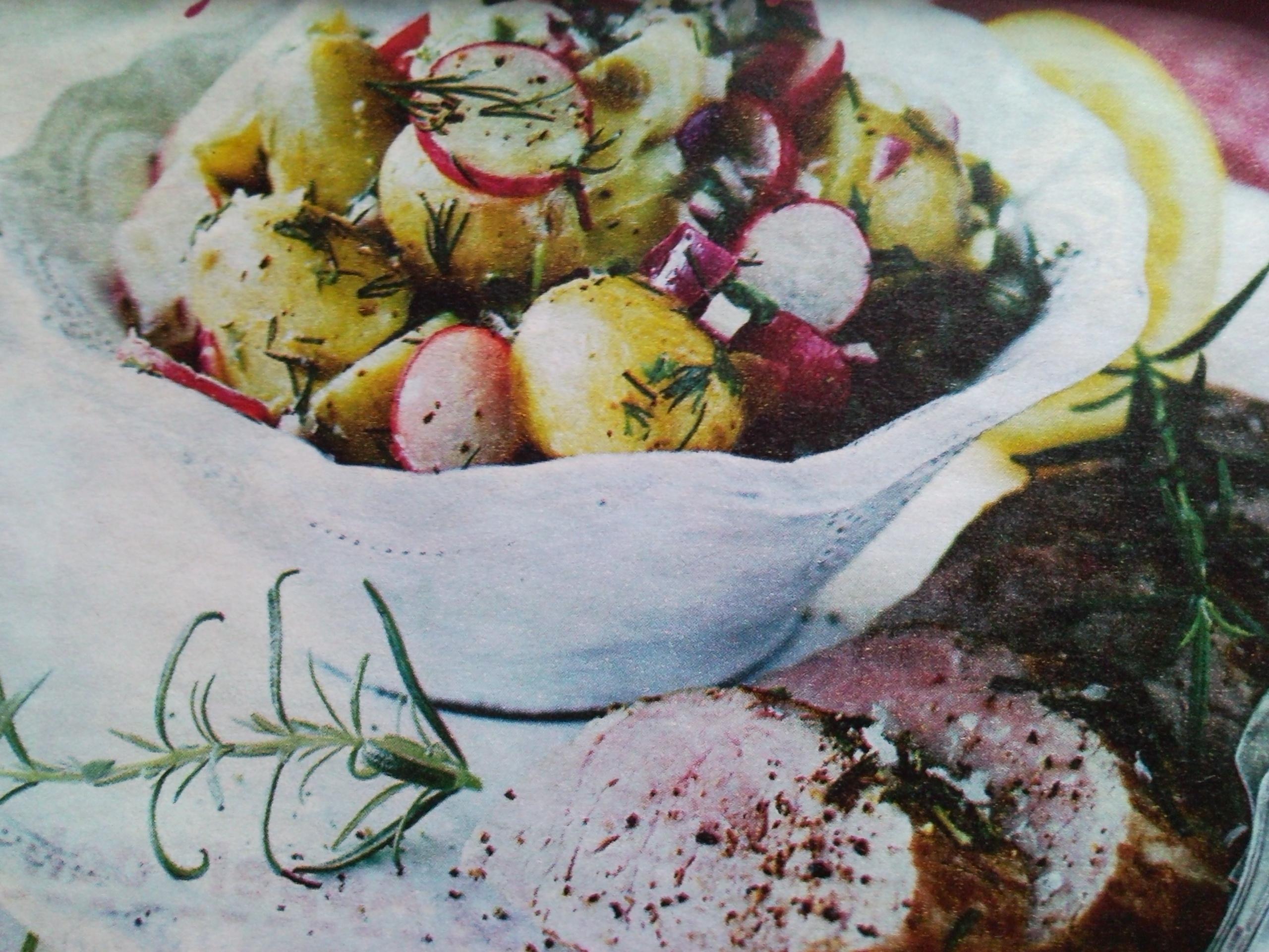 kall potatissallad med grönsaker