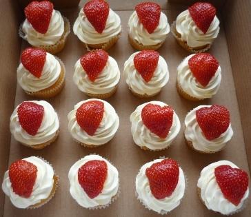 muffins med vaniljkräm