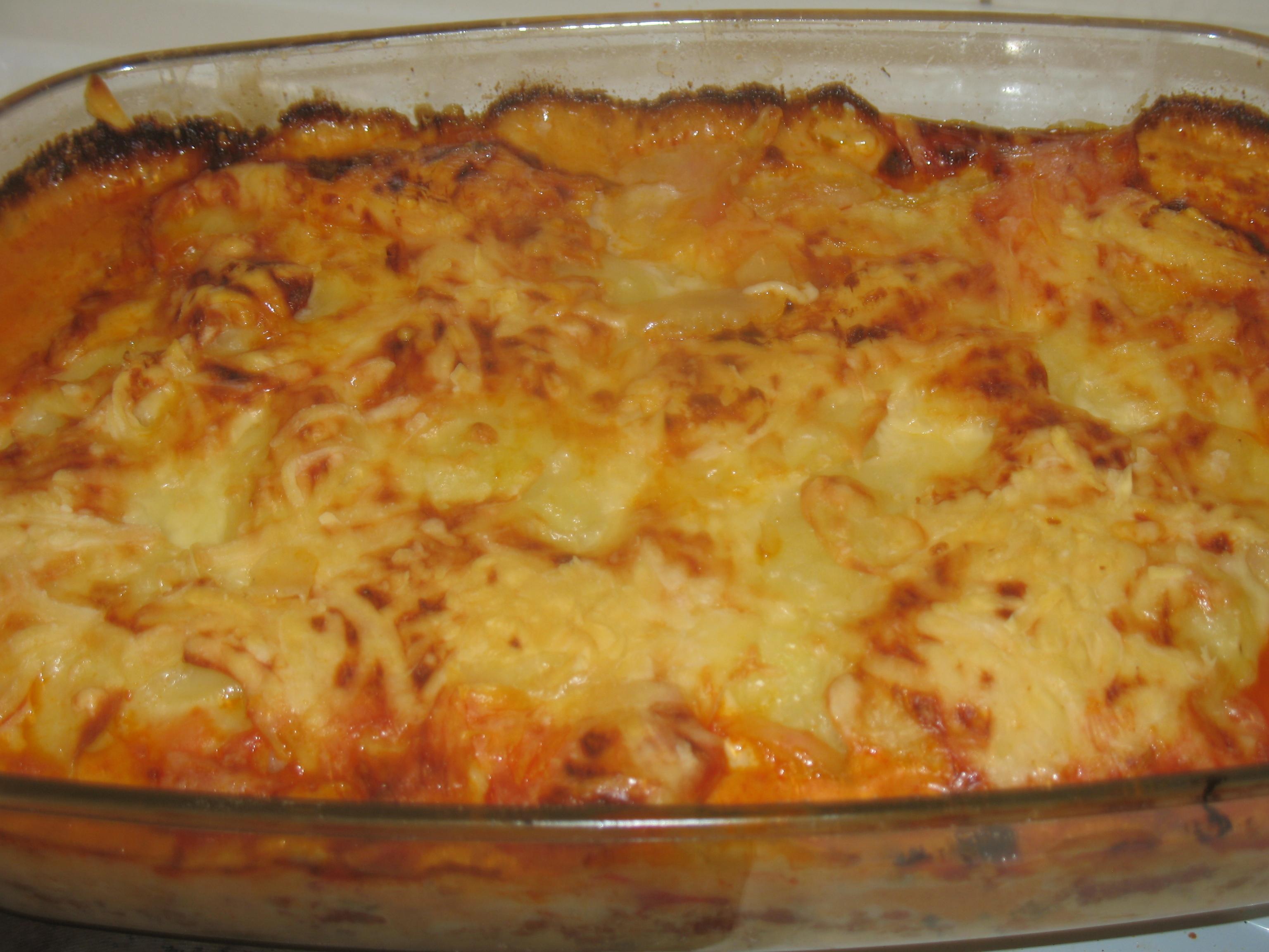 skivad potatis i ugn och köttfärs