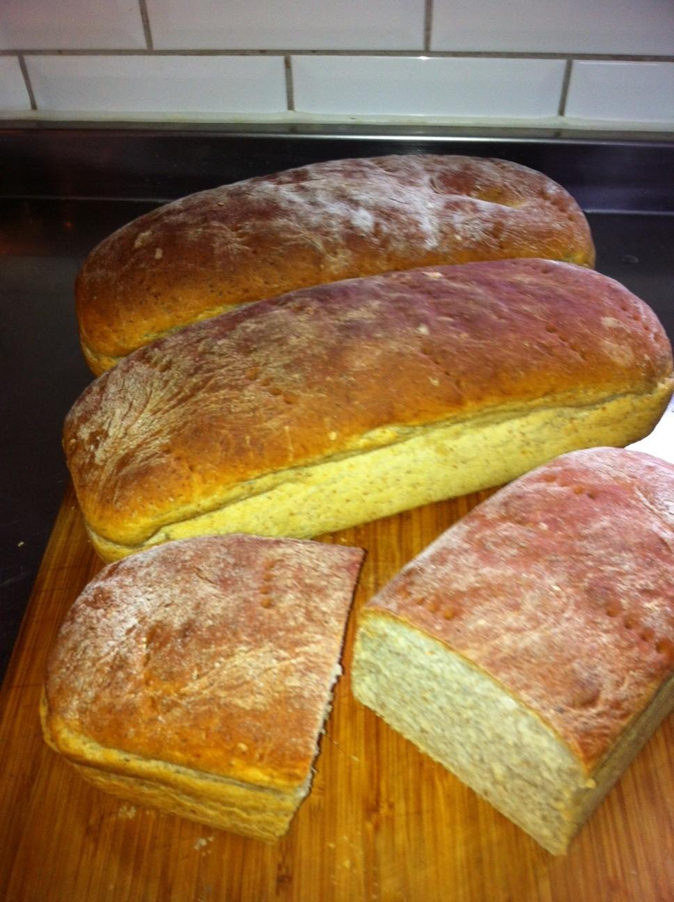 baka gott bröd i brödform