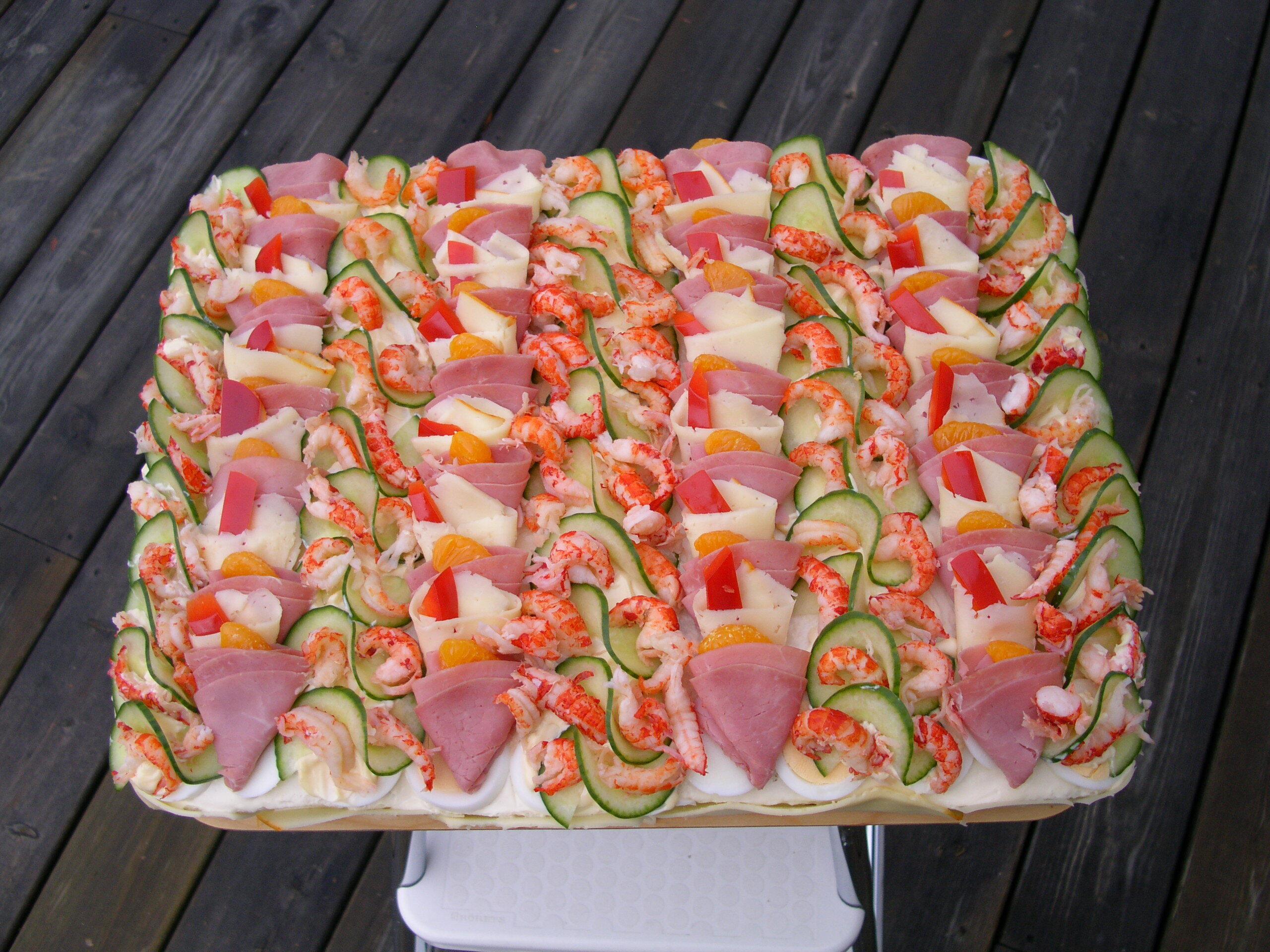 smörgåstårta skinka leverpastej mimosasallad