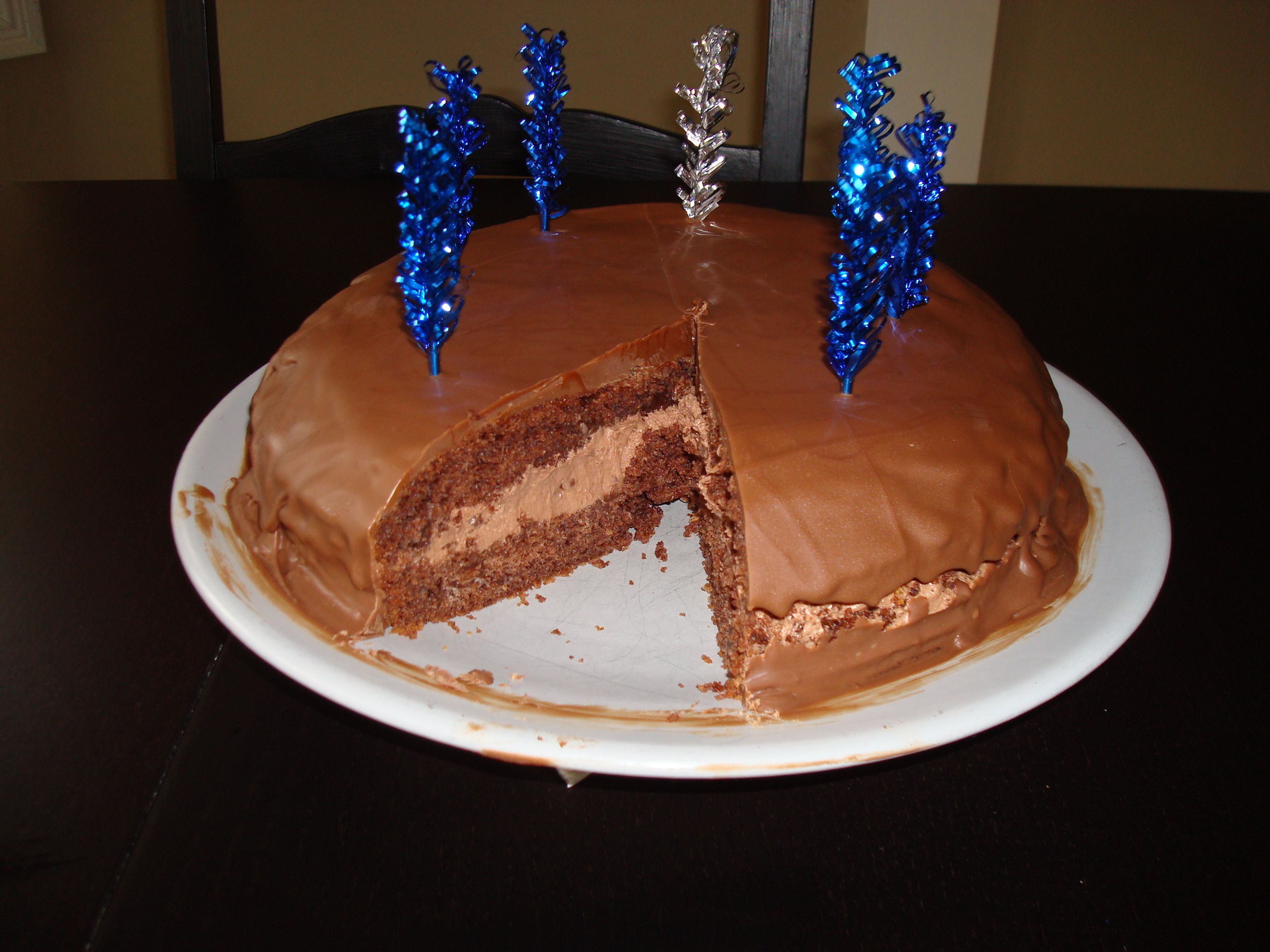 chokladtårta med chokladmousse