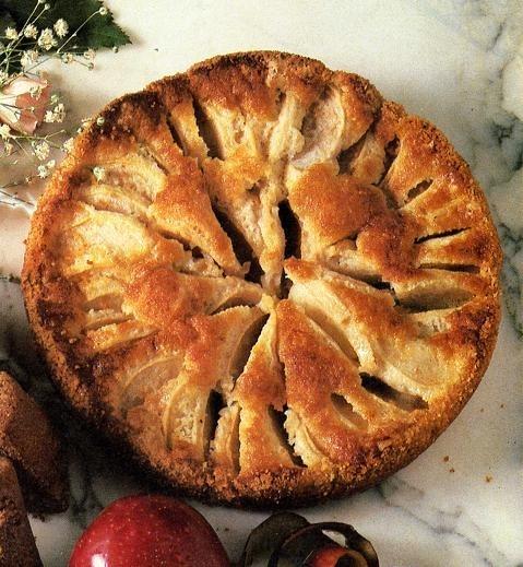 röra ihop kaka med äpplen