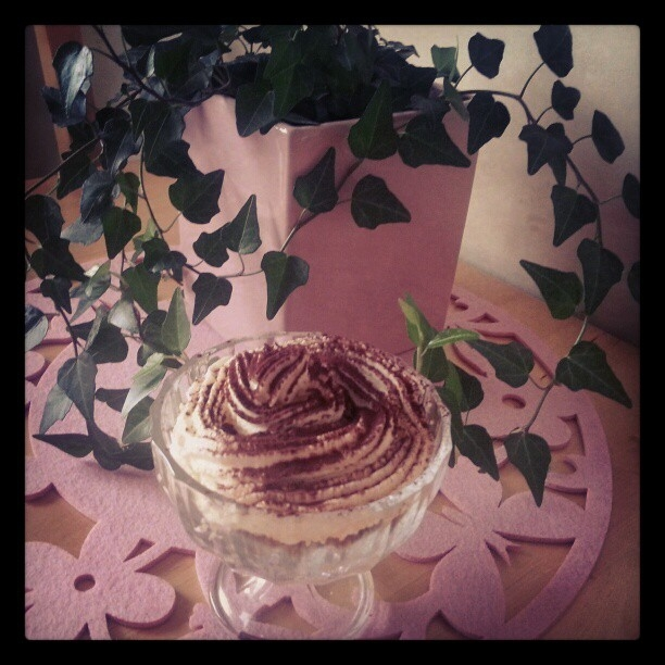 vit choklad mascarpone mousse
