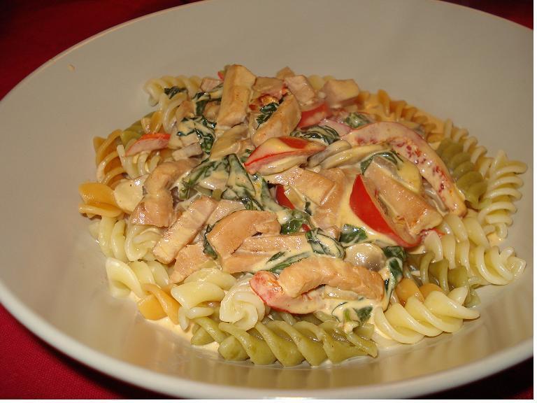 pastasås tricolore