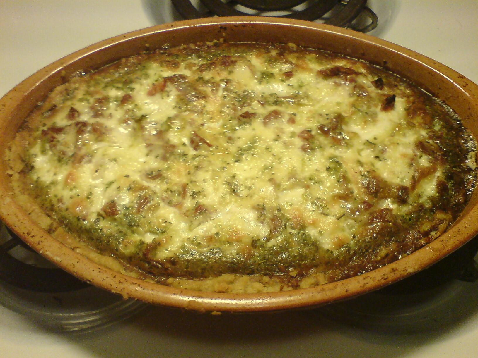 italiensk paj med mozzarella och pesto