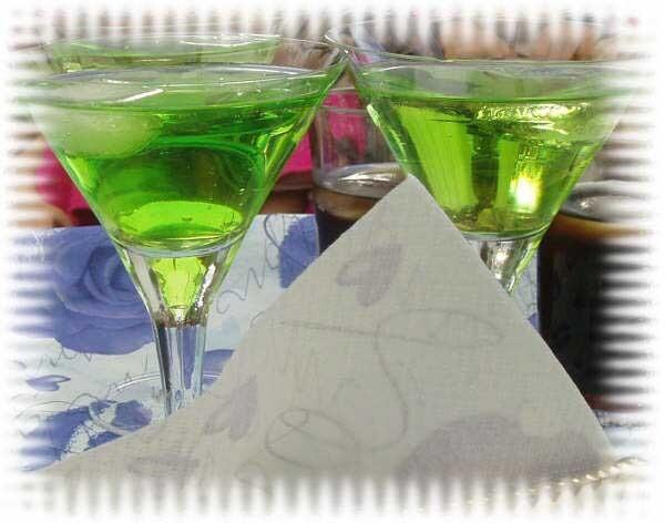 vodka grön drink