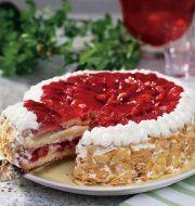 snabb tårta med färdiga tårtbottnar