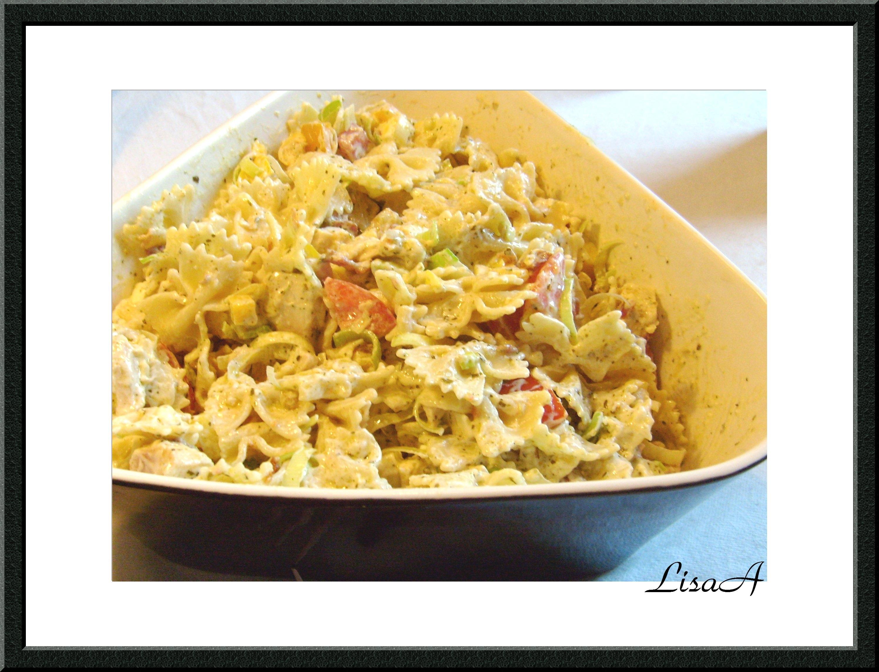 kycklingsallad med pasta och bacon
