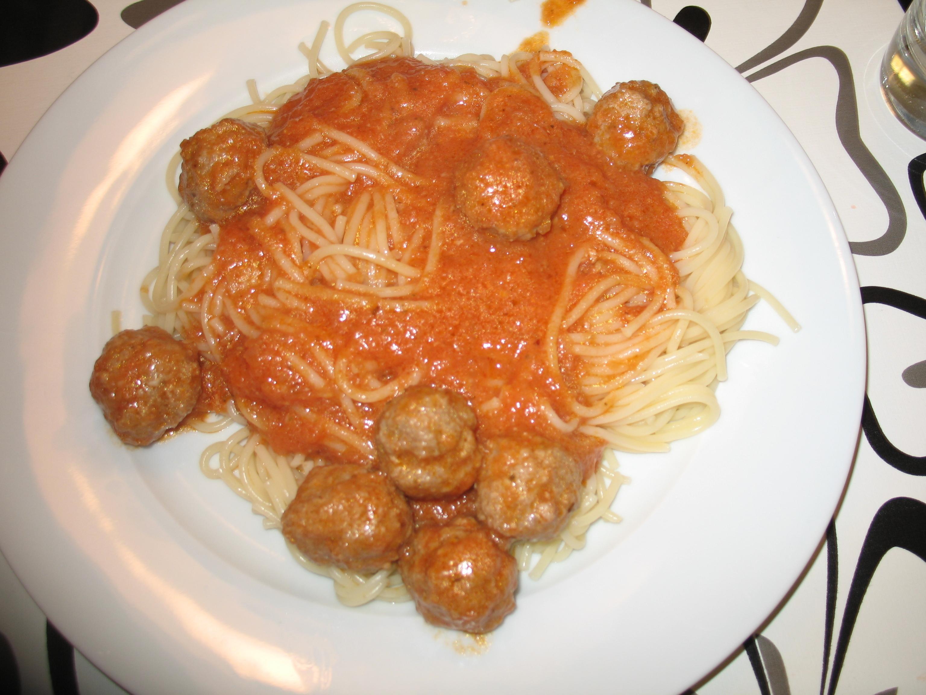 italienska köttbullar i tomatsås nigella