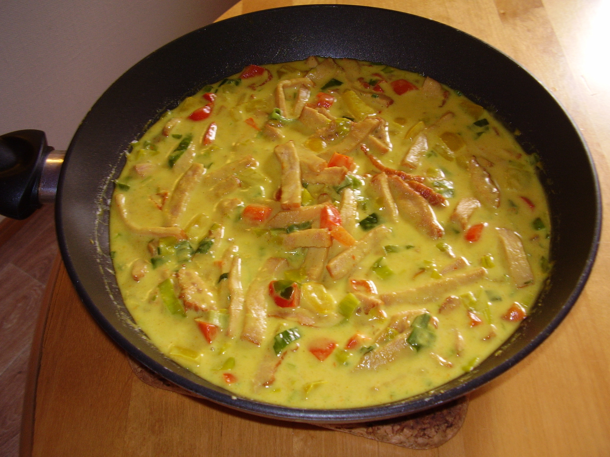 kassler pasta grädde lök paprika curry