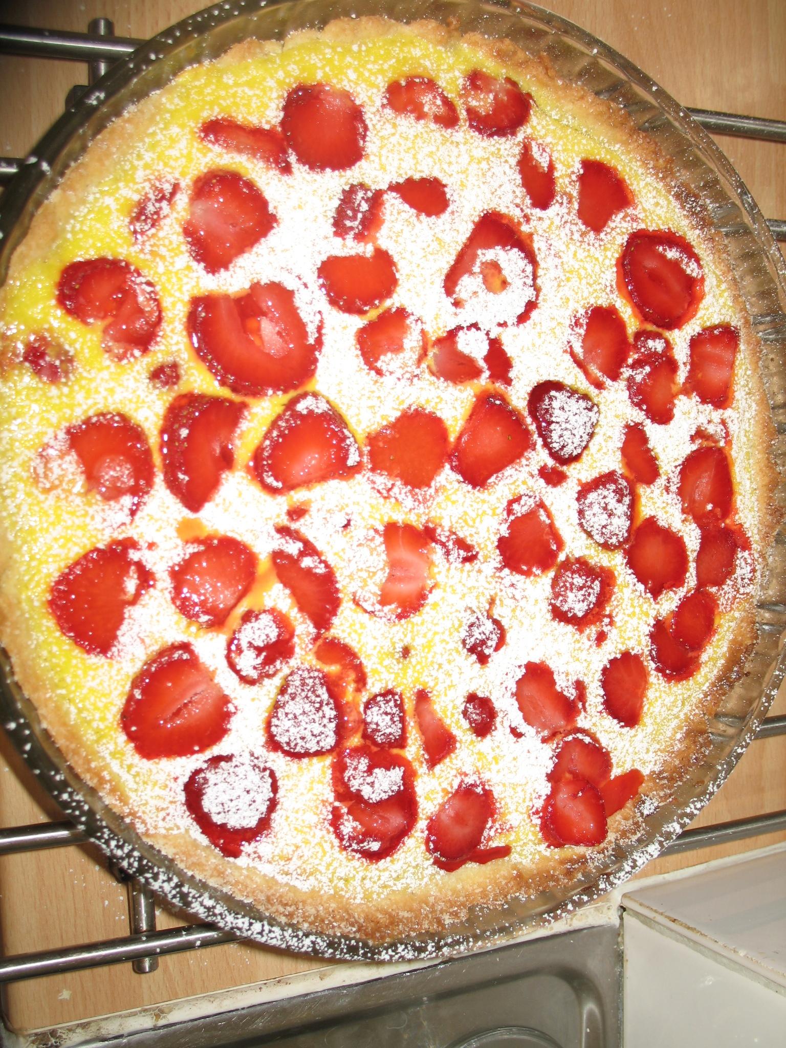 jordgubbspaj med creme fraiche