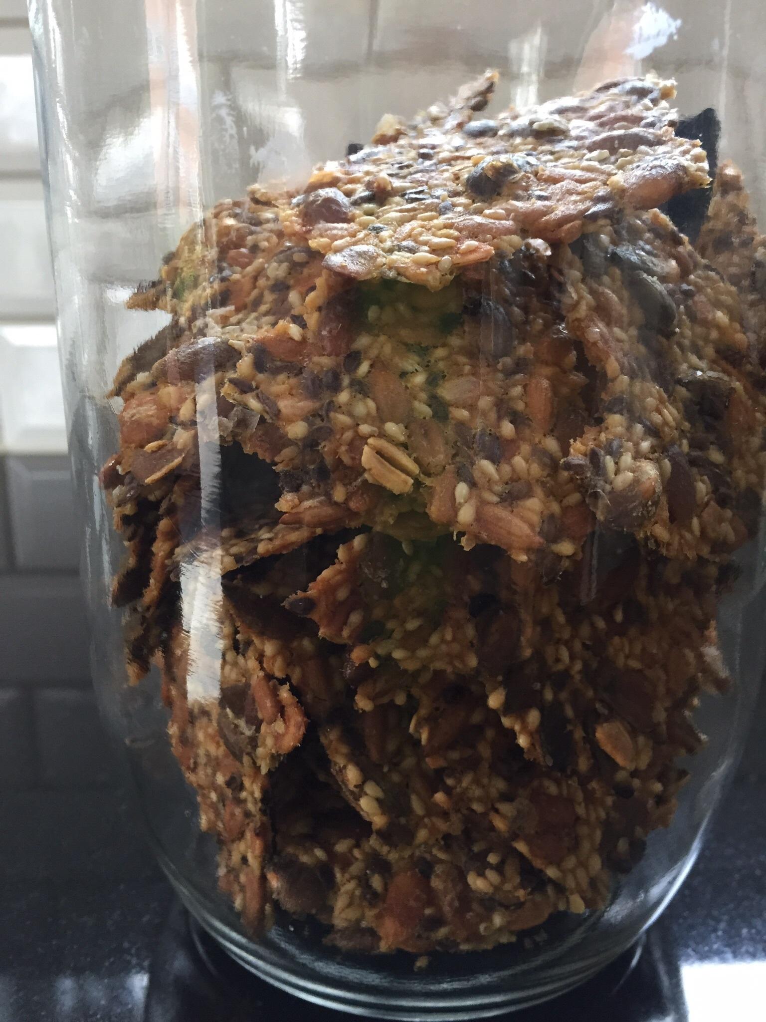 knäckebröd linfrö sesamfrö pumpakärnor solrosfrö