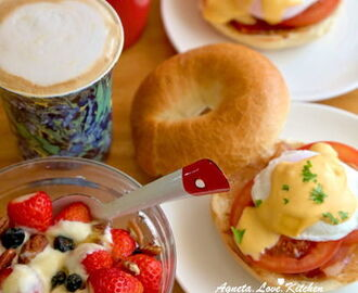 [yummy] ??? Eggs Benedict 班尼迪克蛋贝果版:半熟水波蛋与荷兰酱的美妙跳舞。(poached egg & Hollandaise sauce)