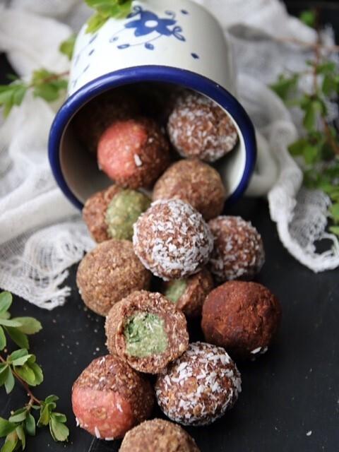 Chokladbollar ett grundrecept till olika bollar