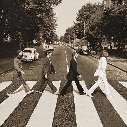 Beatles - Abbey Road Sepia Fototapeter & Tapeter 100 x 100 cm