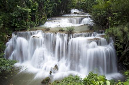 Huay Mae Khamin Waterfall Thailand Fototapeter & Tapeter 100 x 100 cm