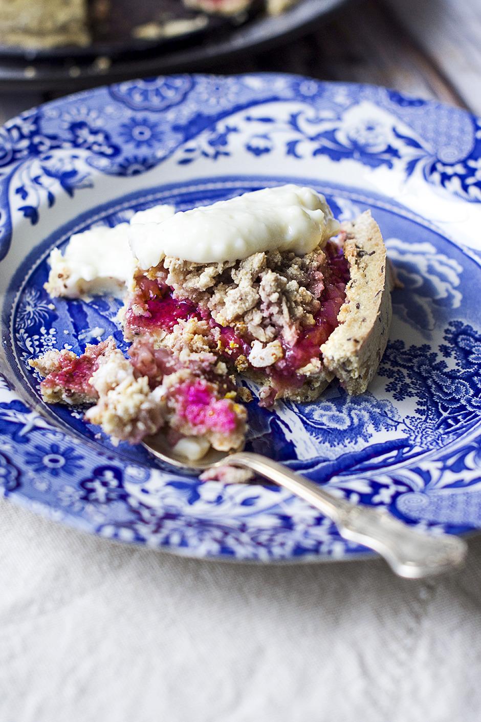 Gluten- och sockerfri jordgubbspaj
