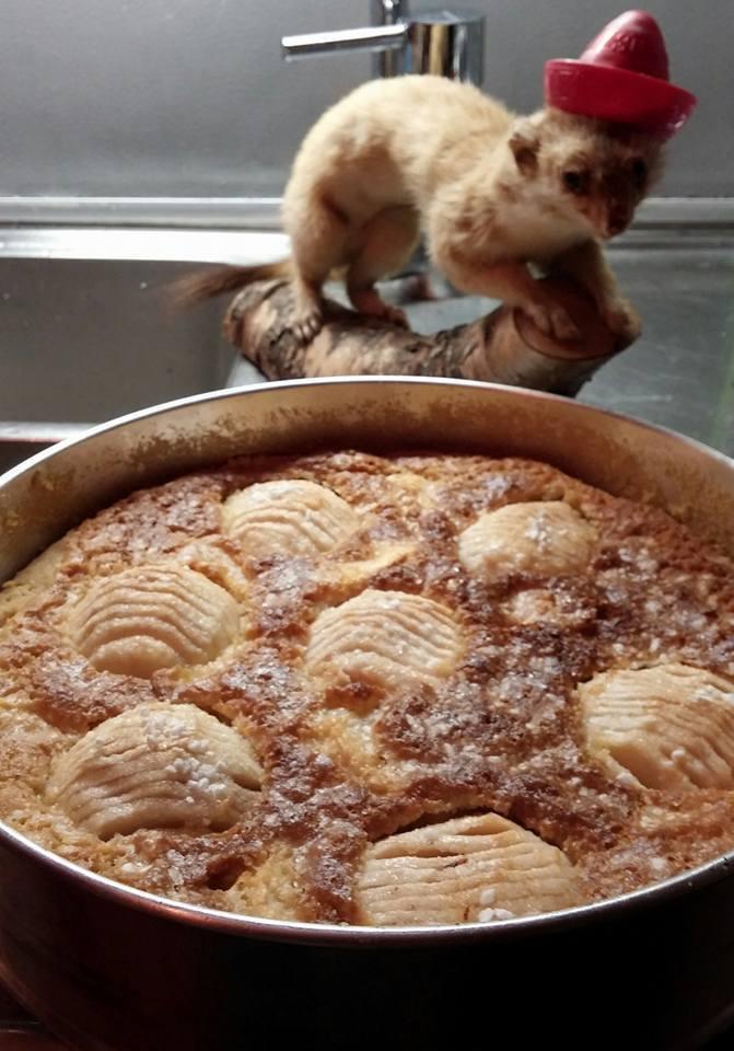 Mazarinäppelkaka med kardemumma
