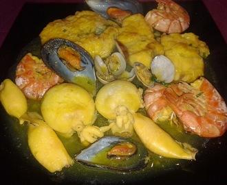 Recetas de como hacer una zarzuela de pescados y mariscos for Cocinar zarzuela