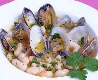 Recetas de alubias blancas de bote con almejas mytaste for Cocinar judias blancas de bote